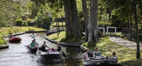 Vrijwel alle bootjes in Giethoorn zijn al verhuurd op Hemelvaartsdag, vaarverbod voor andere boten