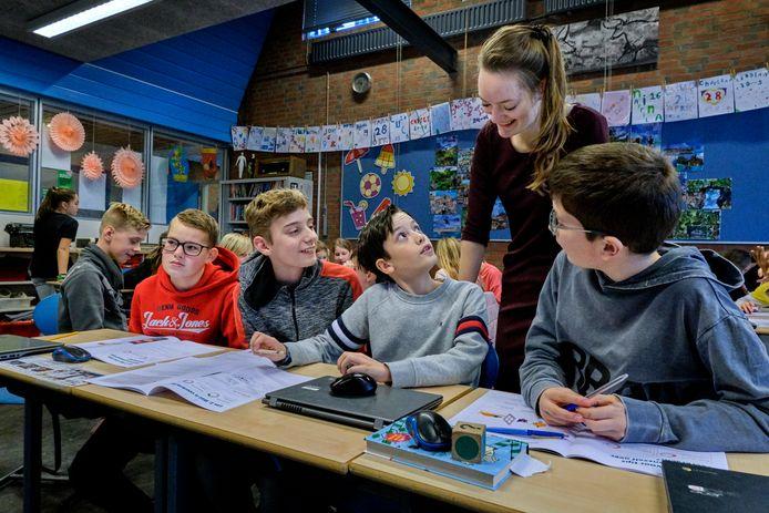 Leerlingen van De Bouwsteen kruipen in de huid van wetenschappers en discussiëren over veerkracht en veerkrachtiger worden.