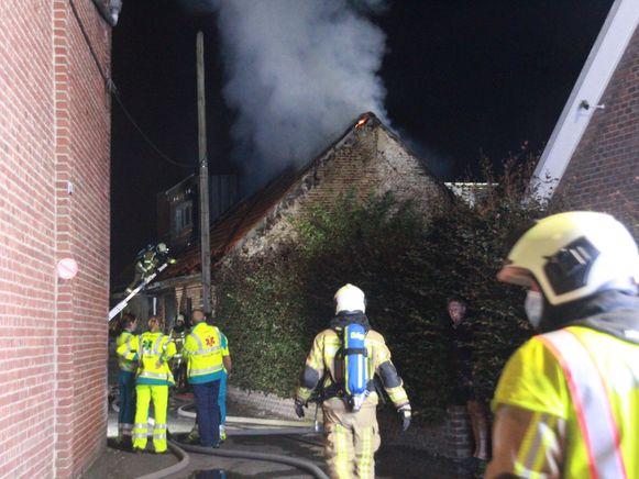 De brandweer zakte af naar de Paridaanstraat. Voor de bewoner kwam alle hulp te laat.