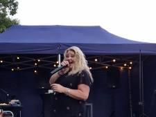 Leger des Heils viert burendag in Enschede met muziek, karaoke en hopelijk mooie gesprekken