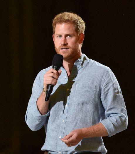 Des milliers de Britanniques réclament que le prince Harry renonce à ses titres royaux