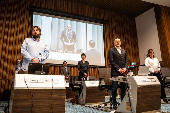 Politieke avond in de raadszaal van het stadhuis in Arnhem. V.l.n.r. Coen Verheij (PVV), Menno Loos (VVD), Sarah Dobbe (SP), Gerrie Elfrink (SP) en Karin Kalthoff (VVD).