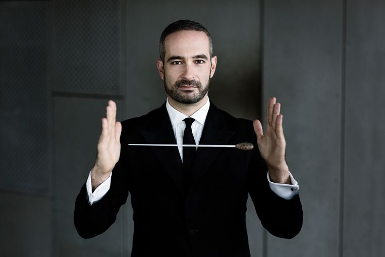 Antonello Manacorda:  'Nog voor ik goed en wel kon praten, zong ik al Papageno's aria 'Der Vogelfänger bin ich ja' in een soort fonetisch Duits.' Beeld Nicolaj Lund