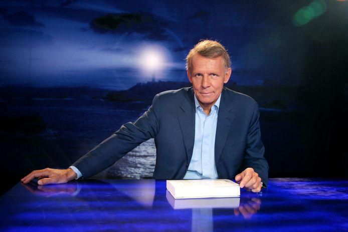 Patrick Poivre d'Arvor, ancien présentateur emblématique du JT de TF1, est visé par une enquête judiciaire pour viols.