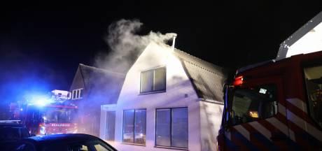 Huis in Baarn onbewoonbaar door brand op de bovenverdieping
