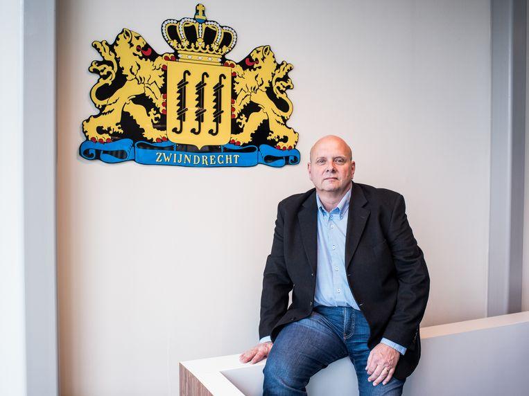 Fred Loos is  lijsttrekker van ABZ en voortrekker van de formatiegesprekken in Zwijndrecht. Beeld Simon Lenskens