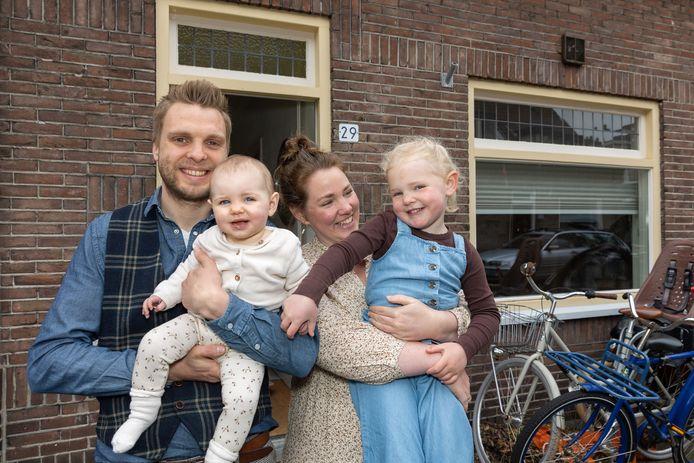 Baby Jente, dochter van Jasper en Marloes Hoogland, zusje van Madée.