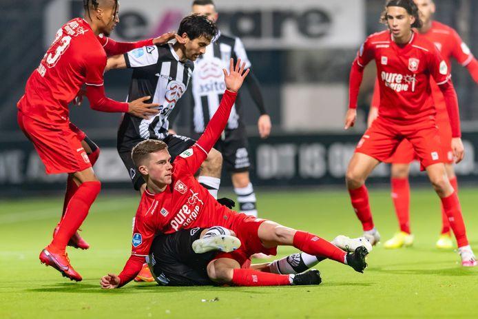 De Twentse tweestrijd haalde door vele omstandigheden niet het beste bij Heracles en FC Twente naar boven.