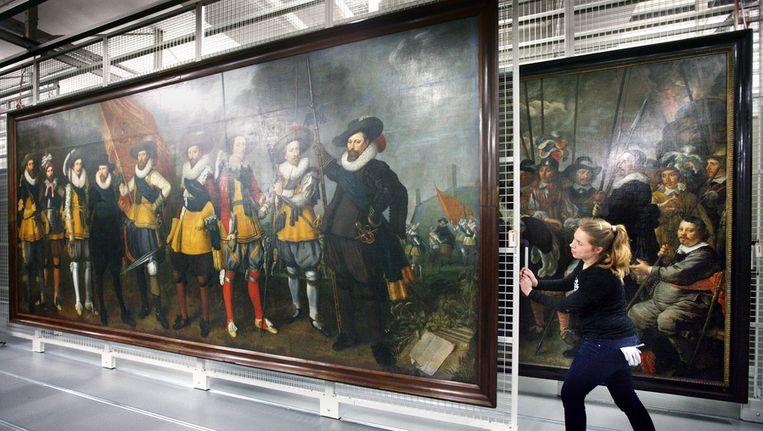 Doeken voor de Hermitage bij het Amsterdams Museum Beeld Jean-Pierre Jans