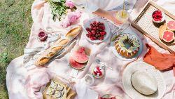 """Populaire Vlaamse blogster maakte staycation-kookboek in volle lockdown: """"We zoeken het geluk soms te ver. Ook in onze keukens is het vakantie"""""""