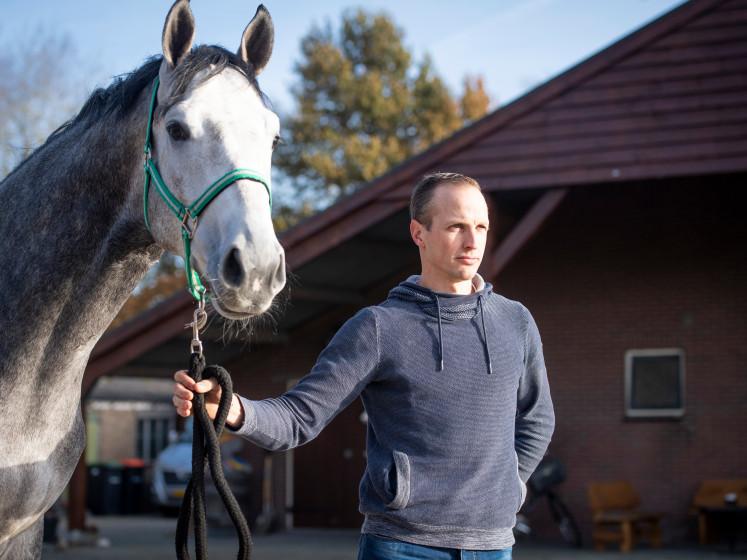 Paardenhandelaar en dierenarts: 'We moeten meer doen om rhinovirus te voorkomen'