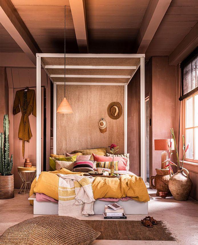 Schilder bijvoorbeeld het plafond mee in de kleur van de muren. Styling: Fietje Bruijn.