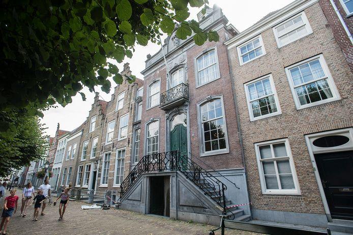 Een nog op te richten burgerpanel gaat meedenken over de plannen van de nieuwe eigenaren voor de rijksmonumentale panden 32 t/m 38 aan de Markt (zie foto) en De Schattelijn.