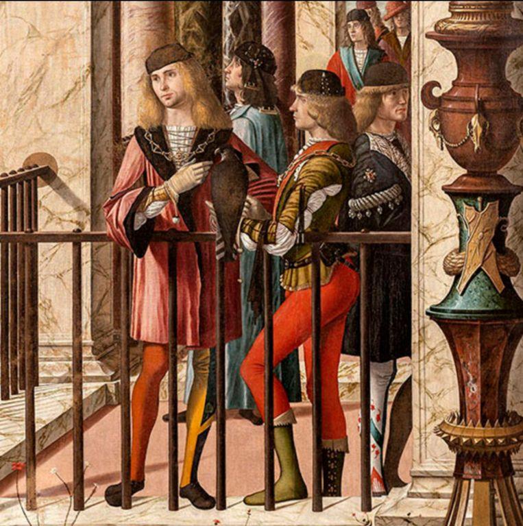 Rood in de kleding van enkele figuranten in het schilderij De aankomst van de ambassadeurs in Gallerie Dell' Academia, Venetië. Beeld Gallerie Dell' Academia, Venetië