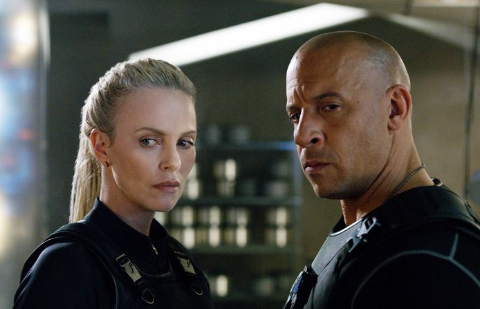 Charlize Theron en Vin Diesel in 'The Fate of the Furious', de achtste 'Fast and Furious'-film