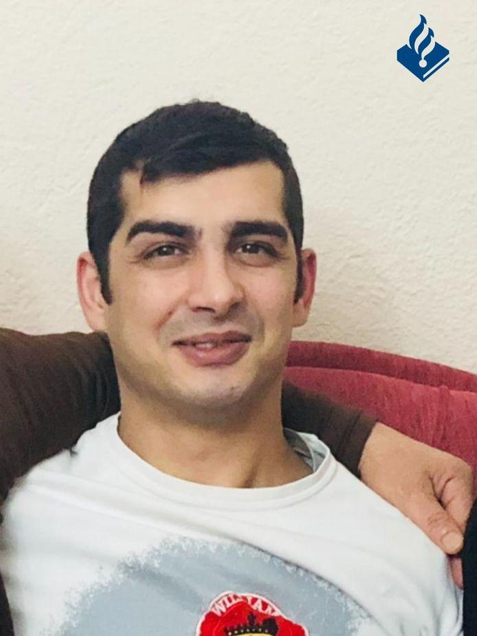De 36-jarige Ibrahim Sanverdi uit Enschede is sinds vrijdag vermist. Hij vertrok die dag vanuit de omgeving van de Gladiolenstraat, meldt de politie.