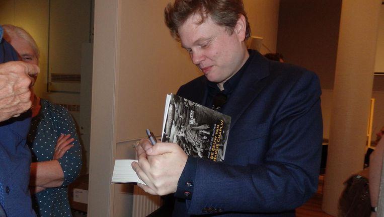 Matthijs de Ridder, auteur van De Eeuw van Charlie Chaplin. In zijn vorige boek beschreef hij de twintigste eeuw op het ritme van jazz, en nu door de ogen van Chaplin. Beeld Hans van der Beek