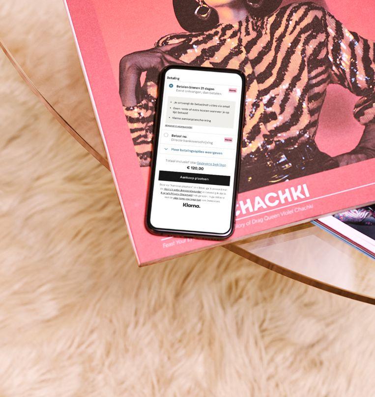 Met de Klarna-app hoef je je online-aankoop niet meteen te betalen. Handig, maar het houdt ook risico's in. Beeld Klarna