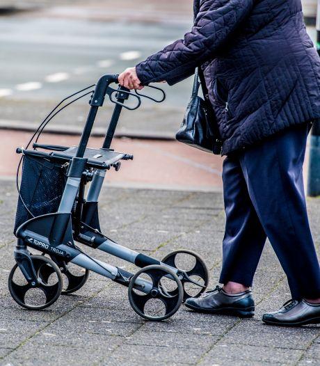 Vrouw (83) op de Halleyweg bestolen van pinpas in rollator, politie zoekt getuigen