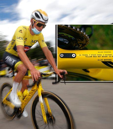 Van der Poel eert opa met tekst op knalgele fiets: 'Geel leek niet voorbestemd. Tot nu'