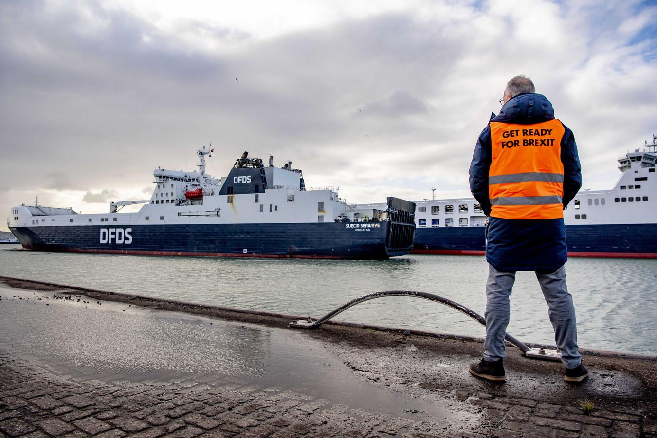Foto ter illustratie. Vanaf 1 januari 2021 zijn er weer grenscontroles en douaneformaliteiten tussen het Verenigd Koninkrijk en Nederland.