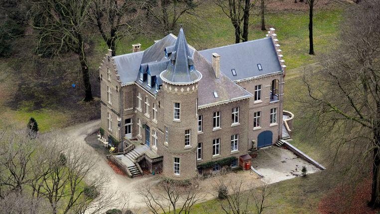 Het kasteel in Wingene waar bewoner Stijn Saelens werd beschoten. Beeld BELGA