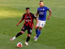 Arnaut Danjuma Groeneveld in actie tegen Leicester City op 12 juli vorig jaar.