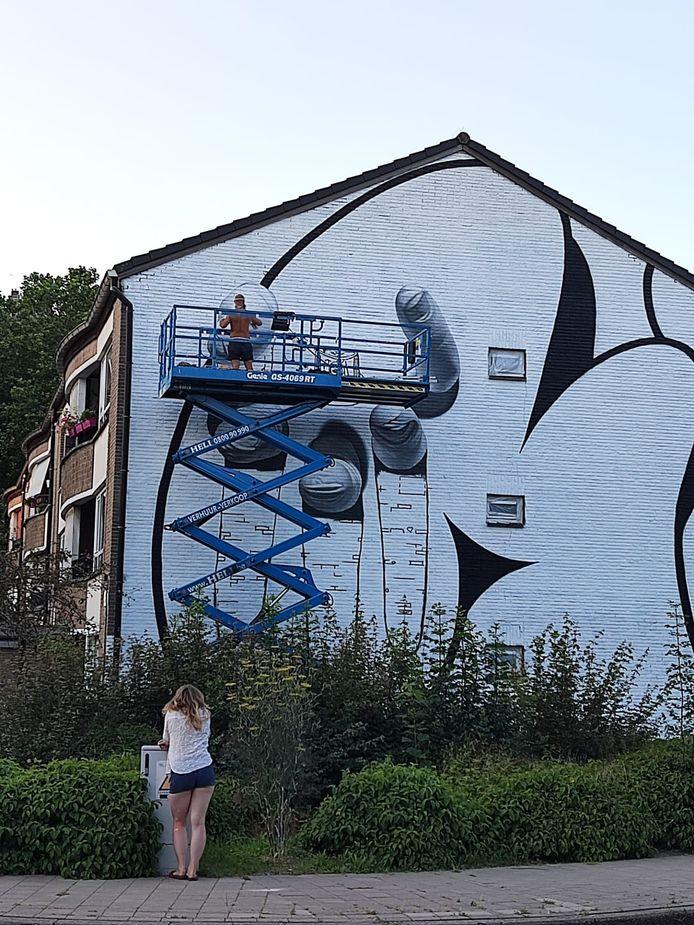 Een greep uit de werken die sinds kort op de muren in Nieuw Gent prijken.