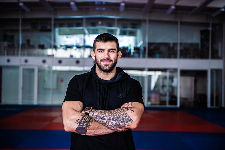 Toma Nikiforov: 'In Bulgarije denken ze dat ik een echte Bulgaar ben, maar ik draag al het goede van België in mij. Ik ben hoffelijk en voorstander van gelijke rechten.' Beeld Mathieu Golinvaux