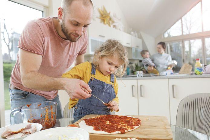 Zelf pizza maken kan perfect met kinderen