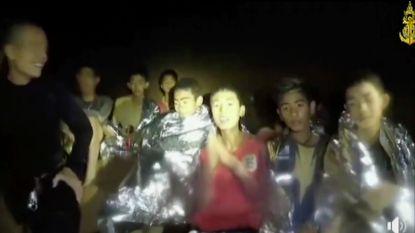 VIDEO. Nog geen duidelijkheid over wanneer poging ondernomen wordt om voetballertjes uit grot te krijgen