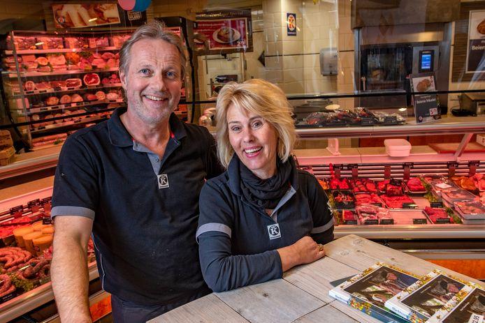 Keurslager Geert Brands en zijn vrouw Yvonne hebben samen hun slagerij in Holten.
