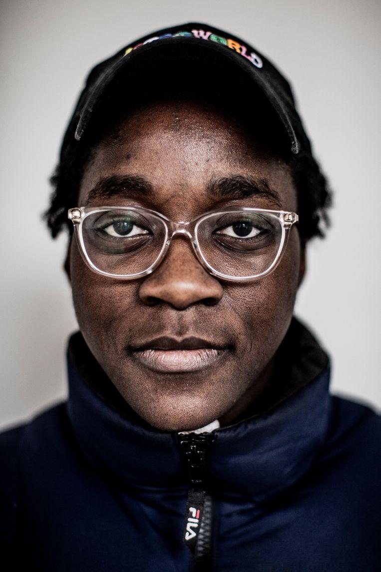 Sarah Bekambo: 'Ik ben al op straat aan-gesproken door iemand die een foto met mij wilde. Ik was bijna gechoqueerd – de eerste aflevering was net op tv geweest, en daarin kwam ik amper voor.' Beeld Diego Franssens