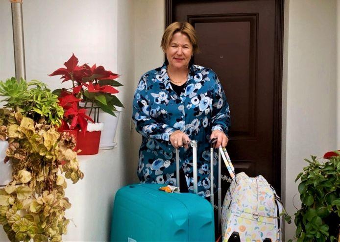 Nadia Bogaert (57) deed er dertig in plaats van twee en een half uur over om van Zaventem naar Malaga te vliegen, haar verloren koffers heeft ze nog steeds niet terug.