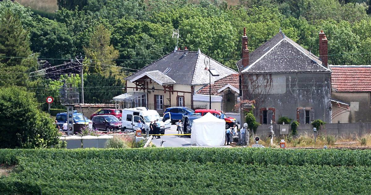 Drie Franse kinderen en kindermeisje komen om bij aanrijding met trein.