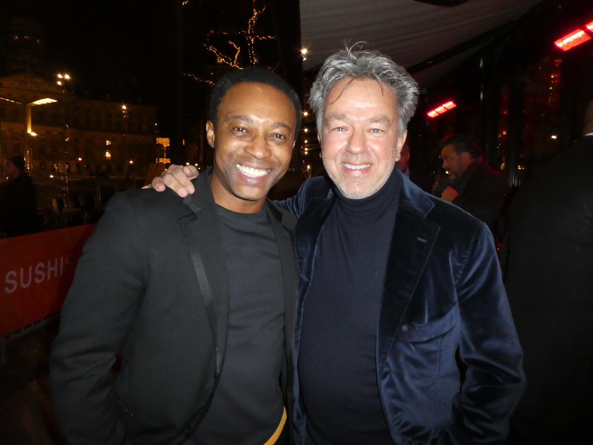 Yves Gijrath (r) en oud-Feyenoord Regi Blinker.