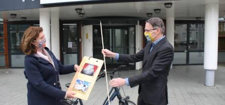 Schouwburg Hengelo trakteert trouwe klanten op 'kunstkapjes'