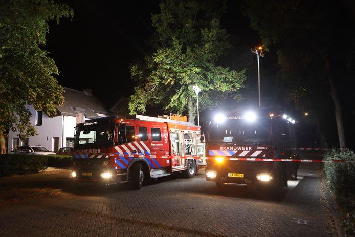 Brandweer bij brand bijgebouw achter huis in Rosmalen.