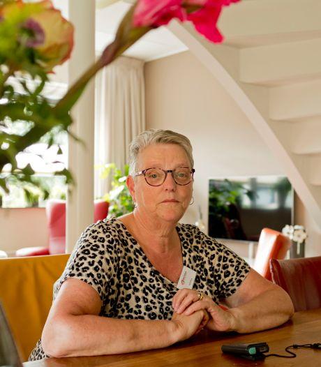 Nel (70) begeleidde honderden mensen in een hospice: 'Soms vertellen ze dingen die ze nooit verteld hebben'