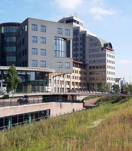 IT-reus Topicus schrapt horeca aan Deventer stationsplein en pimpt Leeuwenbrug-complex