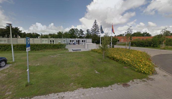Het asielzoekerscentrum in Sneek.