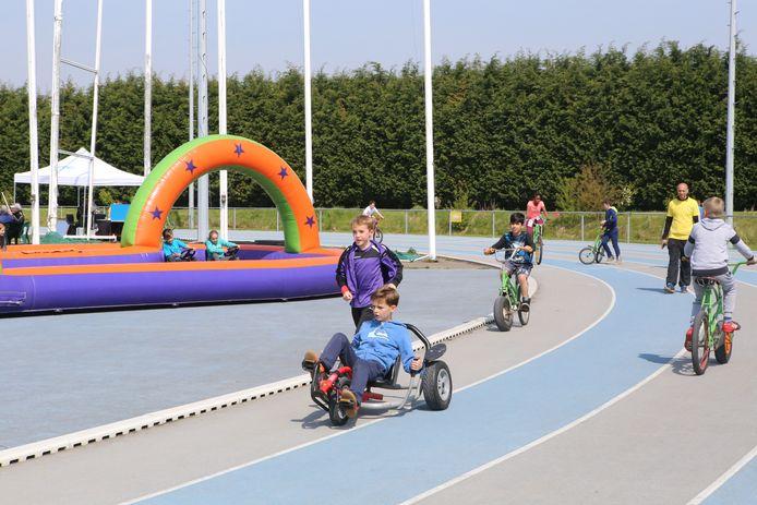 Illustratiebeeld - Alle buitenschoolse activiteiten voor kinderen tot 12 jaar worden geannuleerd tot aan de krokusvakantie.