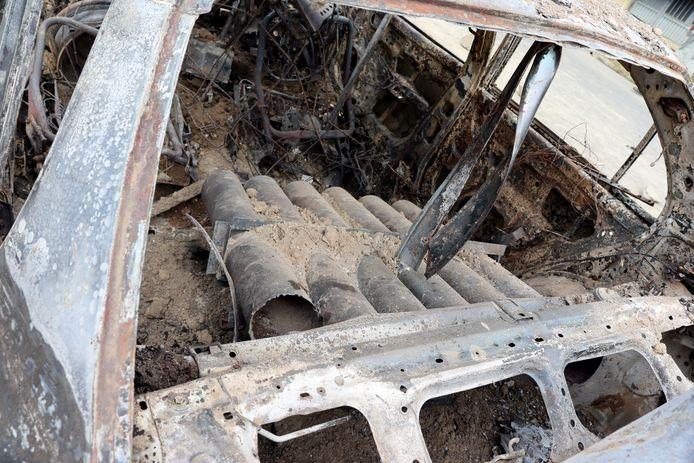 Des lance-roquettes sont vus à l'intérieur d'un véhicule détruit à Kaboul, Afghanistan, lundi 30 août 2021.