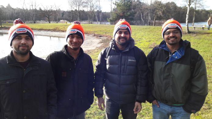 De vrienden uit Nepal en India. Van links naar rechts Bhavija, Bishal, Harschil en Pankaj.