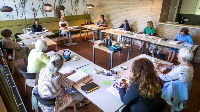Beleggingsstudieclub voor vrouwen viert gouden jubileum, beleggen is al vijftig jaar echt geen mannendingetje meer