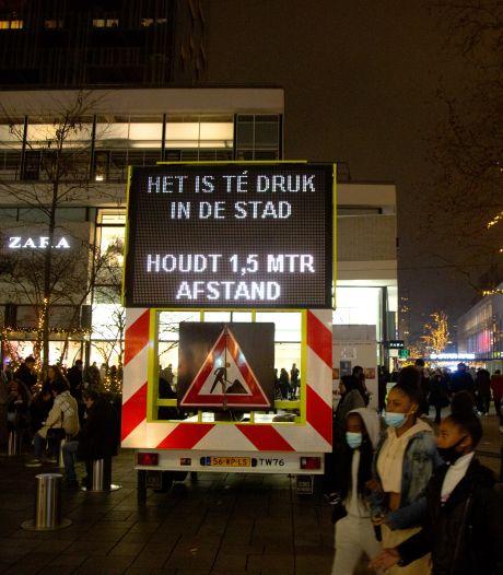 Burgemeester Rotterdam sluit alle winkels in centrum wegens extreme drukte