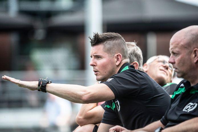 Jeroen Spies is ook volgend seizoen trainer van hoofdklasser RKZVC.
