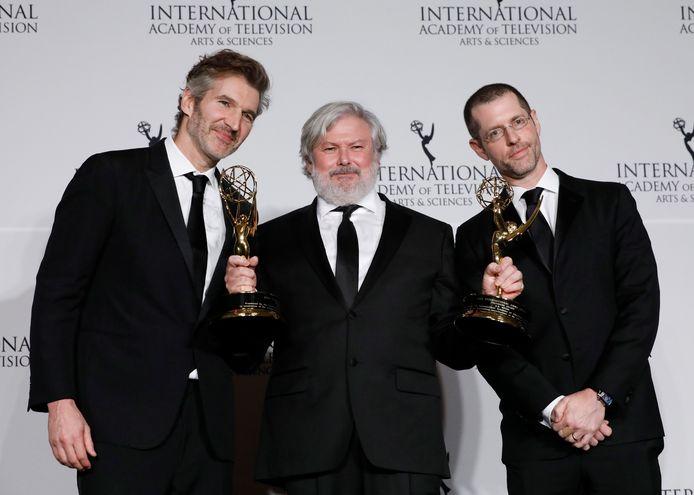 Producers David Benioff en Dan Weiss uiterst links en rechts op de foto.