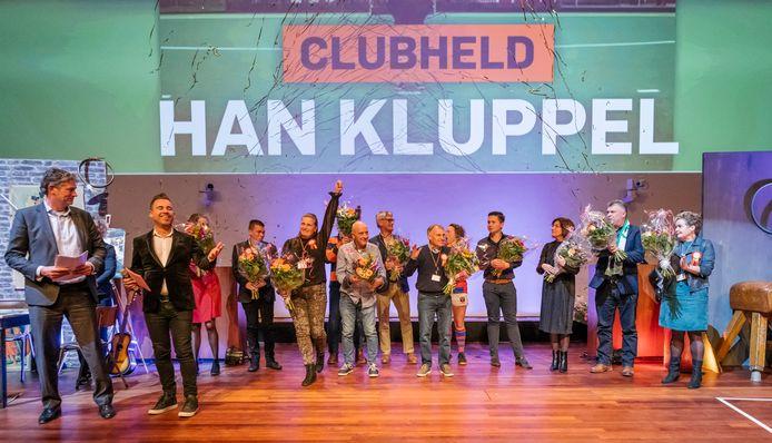 Genomineerde Jaqueline Rosier (met opgestoken arm) gekroond tot Clubheld van het Jaar. In Utrecht vond in het hoofdkantoor van de Rabobank in Utrecht de Award Uitreiking plaats van de landelijke winnaar van De Clubheld van het Jaar.