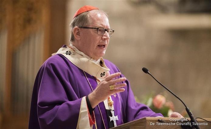 Viering met kardinaal Eijk in de Plechelmus basiliek